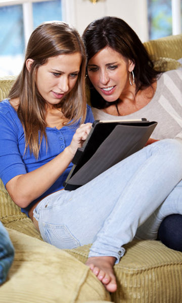 Use technology to help you teach your teens about money.
